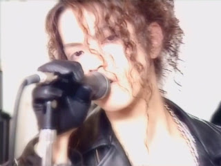 Androgynous photo of Hyde, so you'll know what I'm talking about