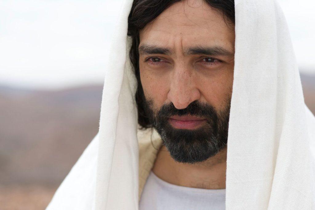 Selva-Rasalingam-Jesus-stars-in-Lionsgate-Home-Entertianments-GOSPEL-OF-LUKE_preview-1024x683
